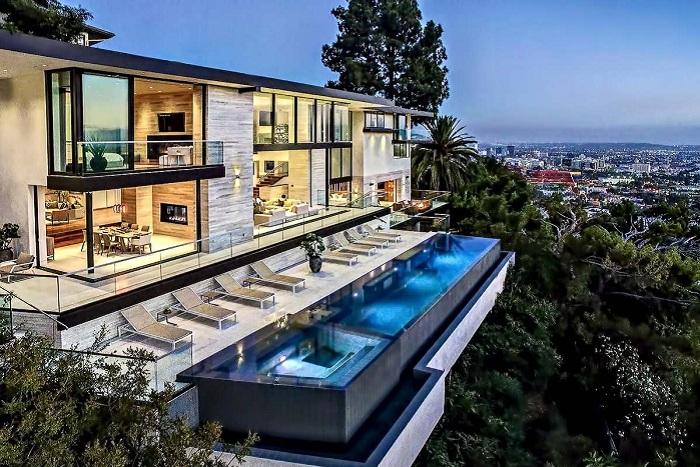 Luxury Residence - шикарная резиденция в окрестностях Лос-Анджелеса.