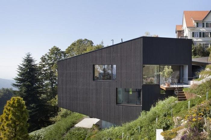 House Sch - частный коттедж в австрийском городе Брегенц.