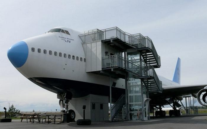 Jumbo Hostel - хостел, расположенный прямо в шведском аэропорте.