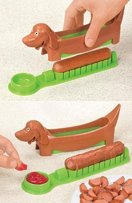 «Собачка», которая режет сосиски на кусочки.