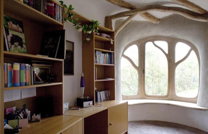 Рабочий кабинет с панорамным окном.
