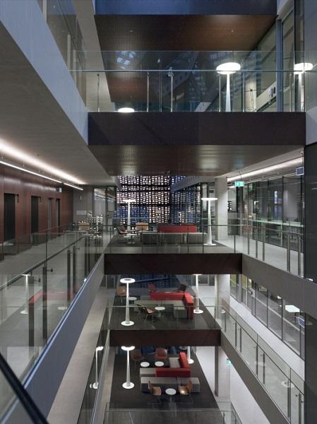 Интерьер здания FEIT.