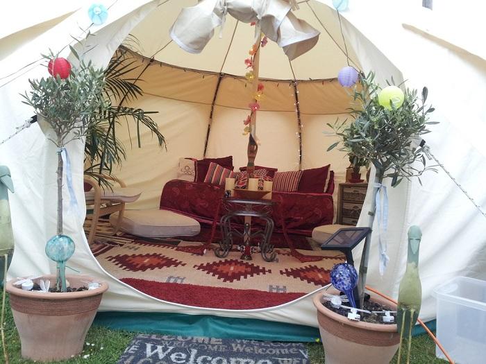 Палатка для комфортабельного отдыха на природе.