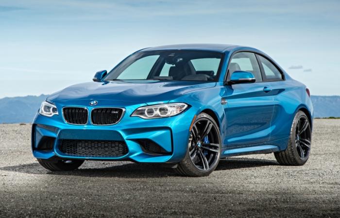 Быстрое представительское купе BMW M2.