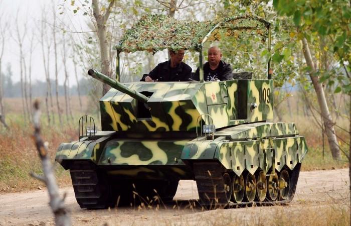 Прототипом самодельного танка стала... детская игрушка. | Фото: forums.eugensystems.com.