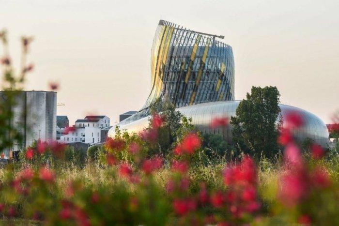 La Cite du Vin - музей вина в Бордо (Франция).