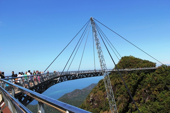Sky Bridge Langwaki - мост, поднявшийся на высоту 700 метров.