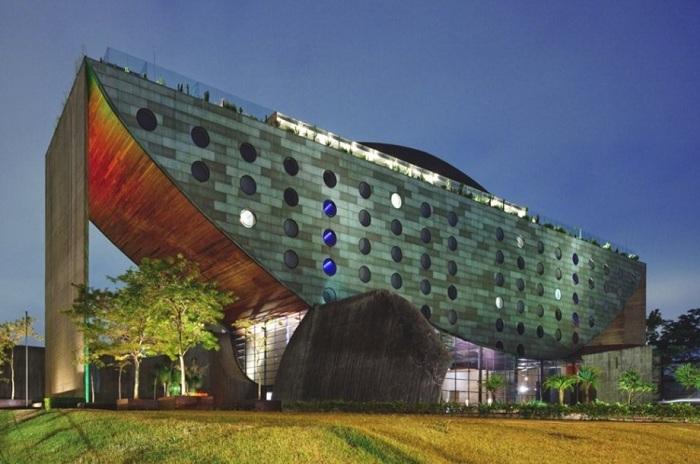 Hotel Unique.