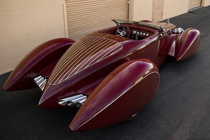 Auburn – V12 Boattail Speedster.