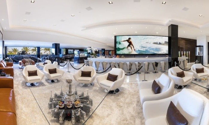 Mega-mansion 924 Bel Air Road. Место для отдыха.