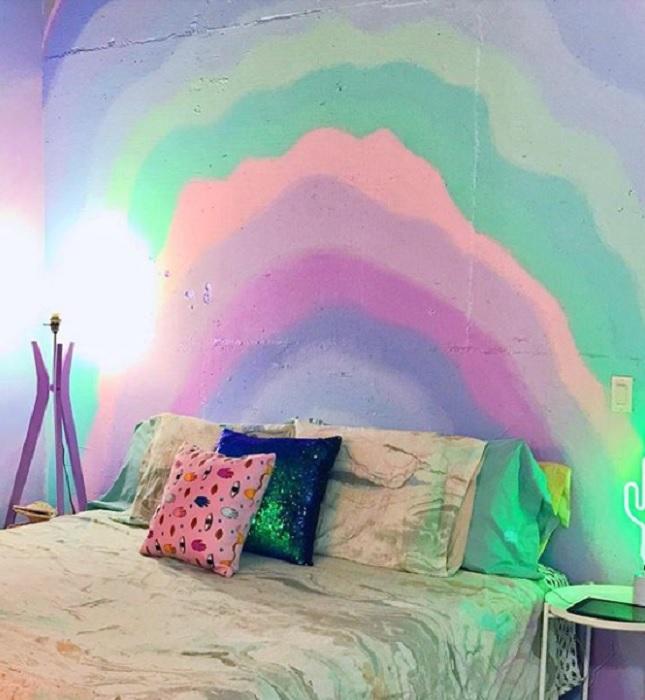 «Радужная» спальня.