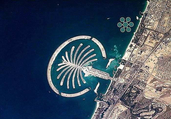 В Персидском заливе построят подводный теннисный корт.