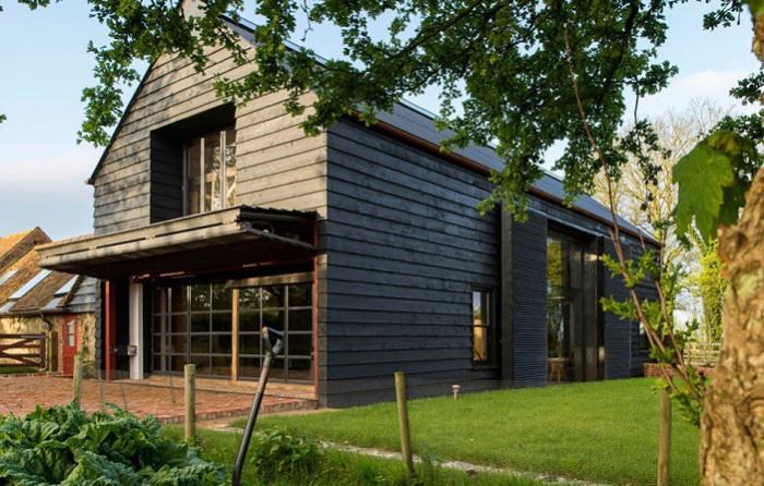 Ancient Party Barn - жилой дом, переделанный из амбара 18 века.