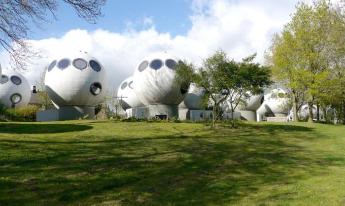 Проект жилого комплекса художника и скульптора Дриса Крейкампа.