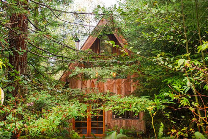 Japanese Forest House - домик в лесу.