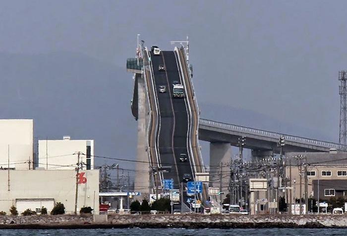 Самый высокий мост в Японии.
