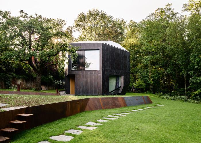 Casa Forest. Дом в лесной полосе Базеля (Швейцария).