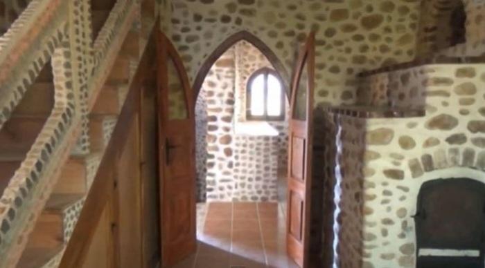 Внутренняя отделка замка.