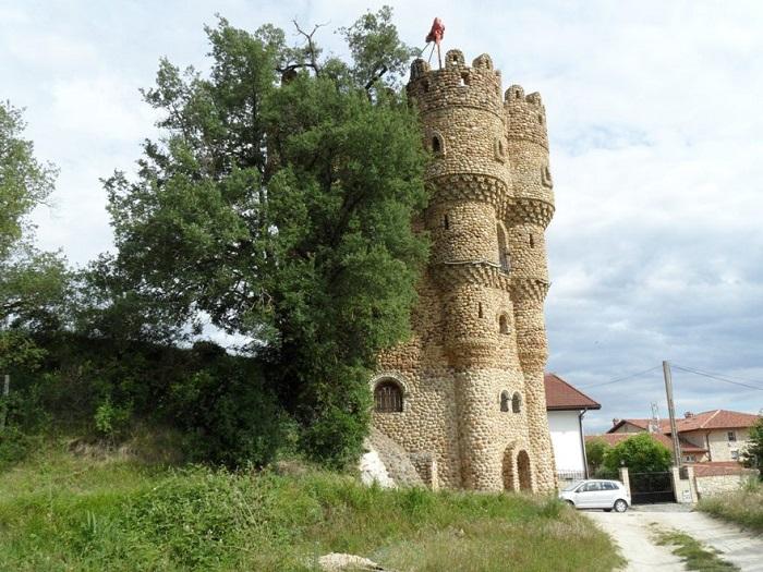Castillo de las Cuevas - замок, построенный одним человеком.