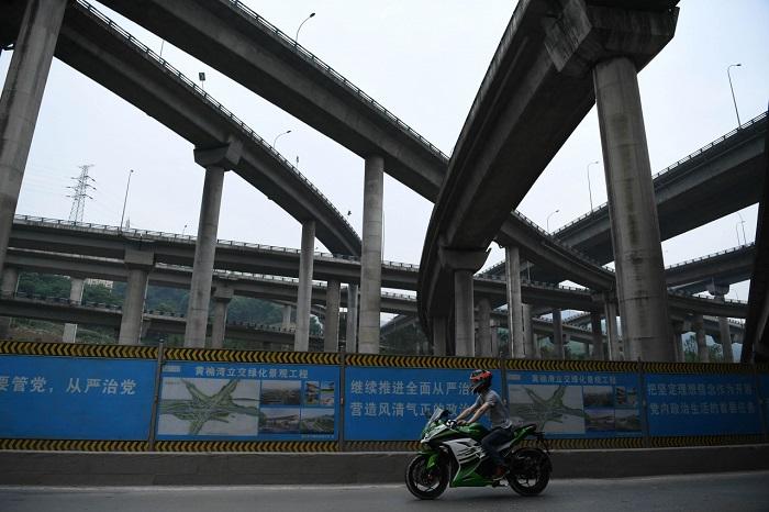 Пятиуровневая автомобильная развязка – инженерное чудо китайского города Чунцин.