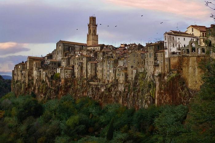 Pitigliano - город в Тоскане.