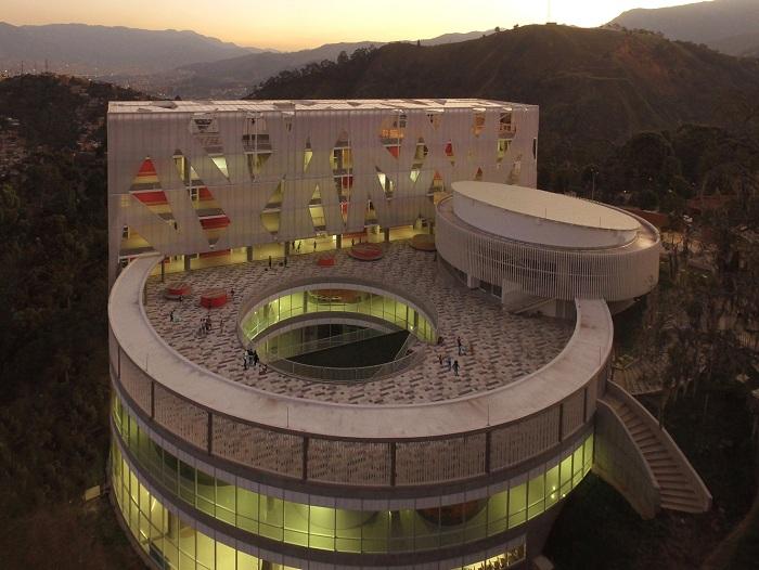 Lusitania Paz - новая современная школа в Колумбии.