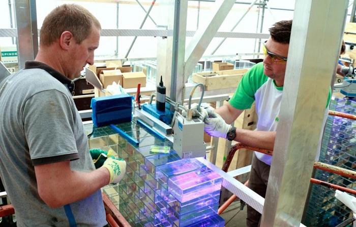 Исследование стеклянных кирпичей на прочность.