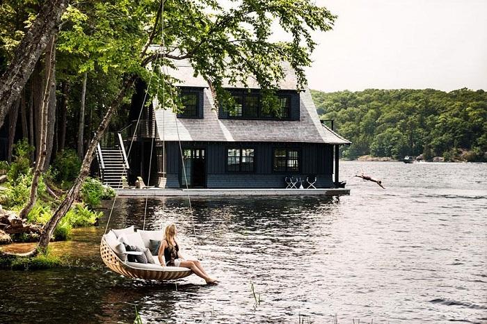 Дизайнерская мебель в хостеле Dedon Island Resort.