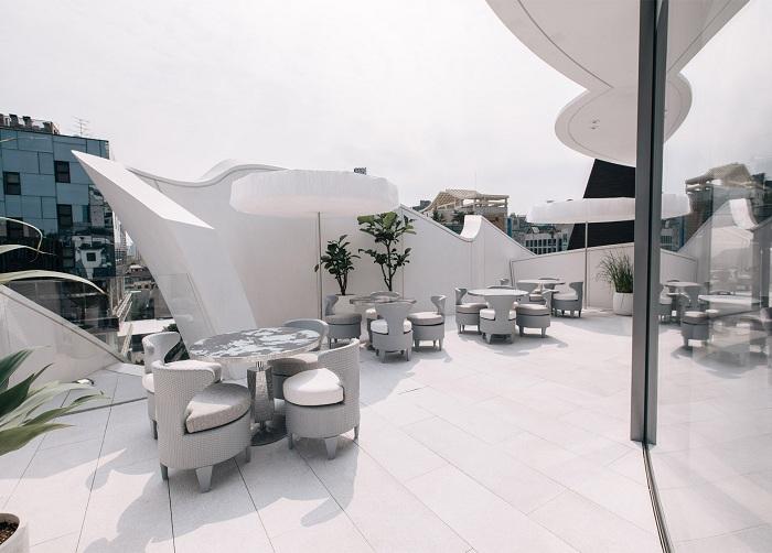 Кондитерская-кафе на крыше бутика Christian Dior.