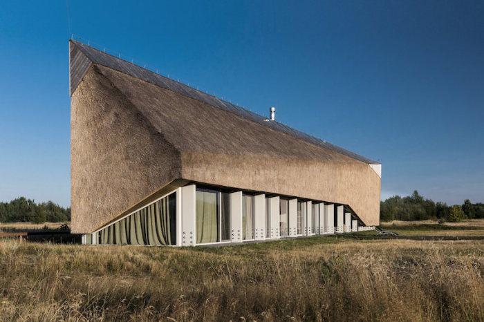 Dune - загородный коттедж в заповеднике Папе (Латвия).