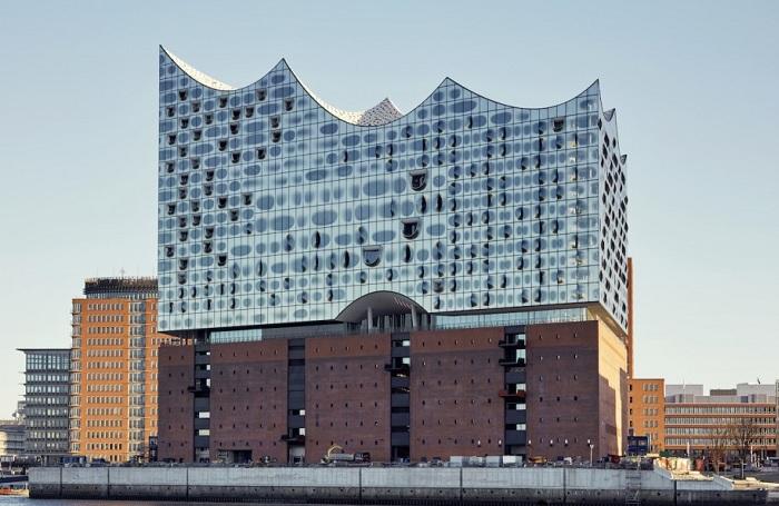 Архитекторский проект фирмы Herzog & de Meuron Architekten.