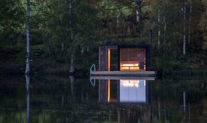 Плавучая сауна, расположенная в 3 часах езды от Стокгольма (Швеция).