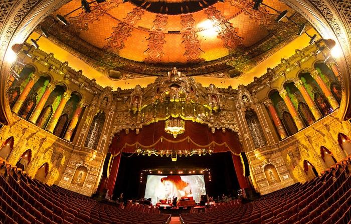 Fox Theater - старейший кинотеатр в США.