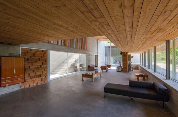 Gerеs House - жилой особняк в духе минимализма.