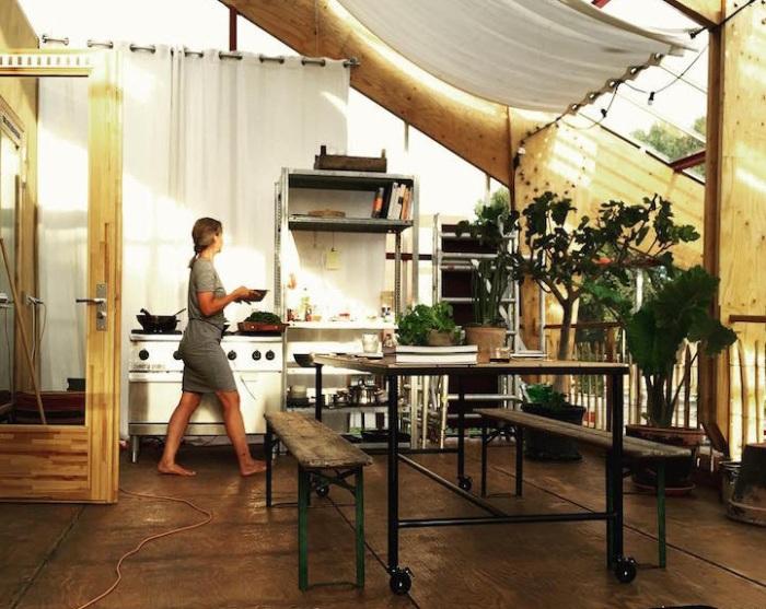 Дом-теплица в Роттердаме. Кухня.