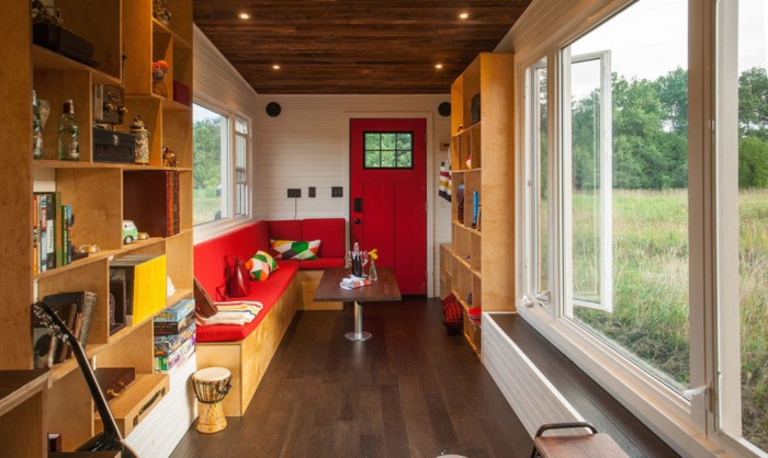 Greenmoxie Tiny House. Гостиная.