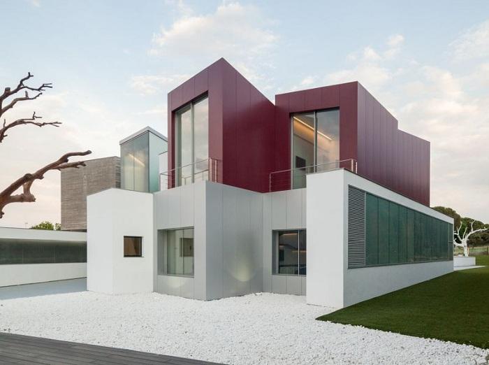 House Н - оригинальный дом в Мадриде.