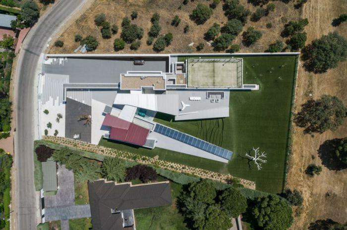 Проект дома компании ABIBOO Architecture совместно с архитектором Alfredo Munoz.