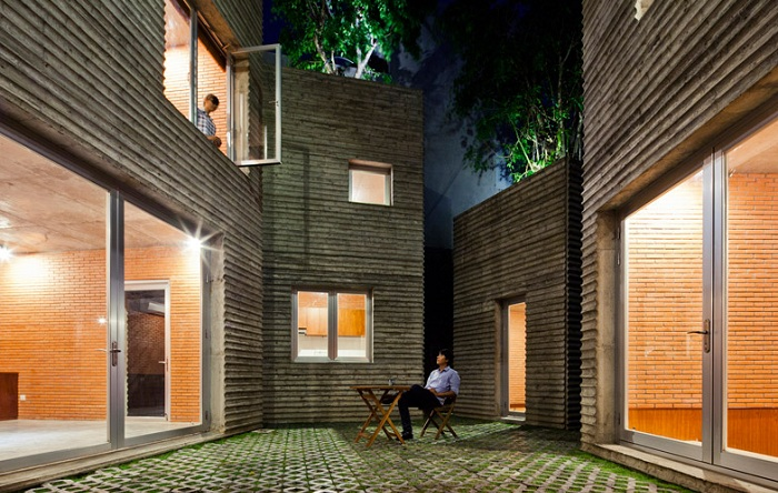 House for Trees. Внутренний дворик.