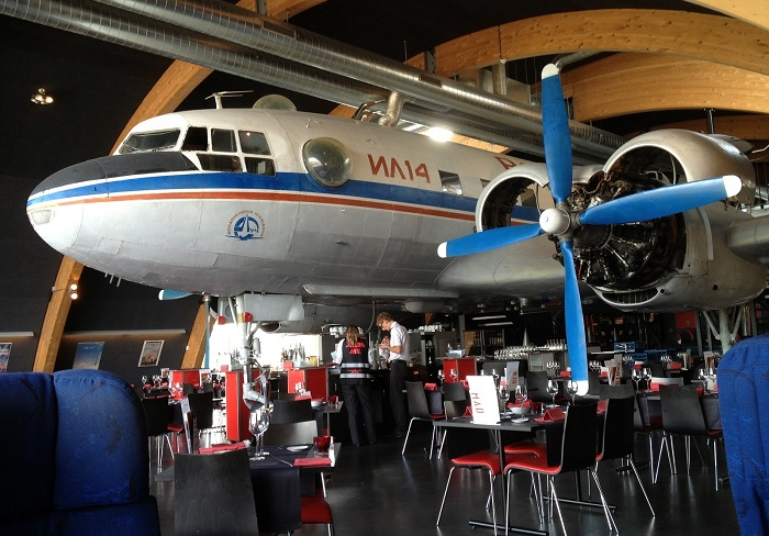 «Runway 34» - ресторан в аэропорте Цюриха.
