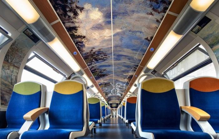 Impressionist train - поезд с репродукциями французских шедевров живописи.