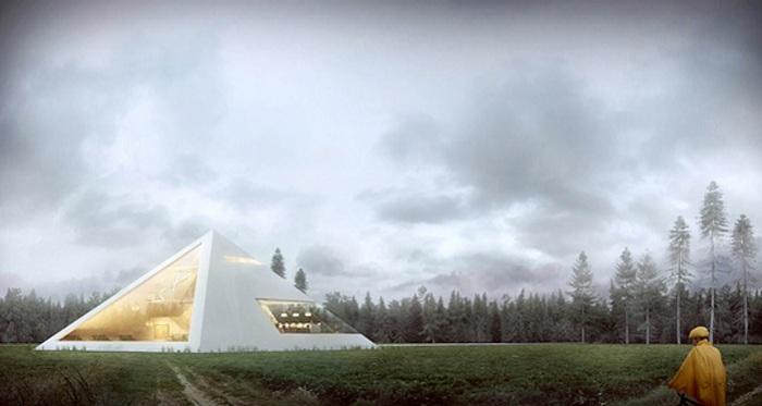 Дом в виде пирамиды с широкими окнами.