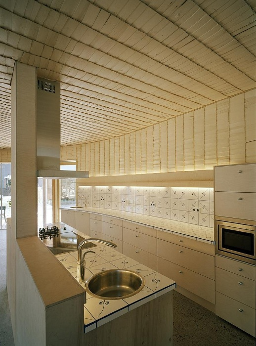 Спиралевидный дом. Кухня.