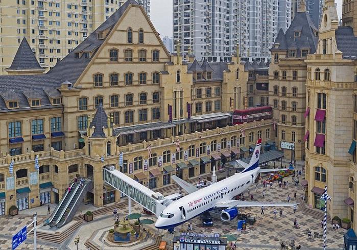 Самолет, в котором сделали ресторан.