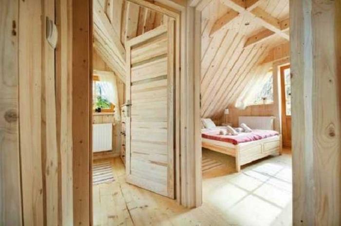 Спальня, расположенная на втором этаже.