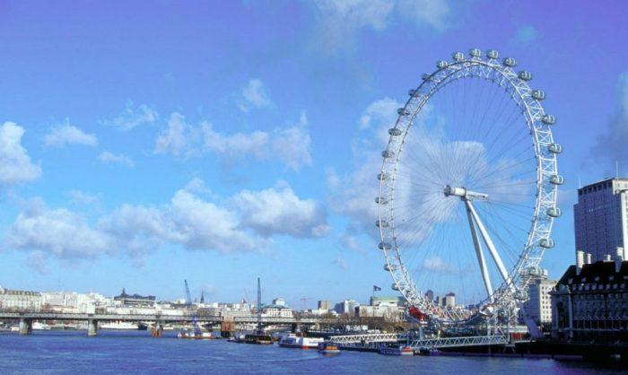 «Лондонский глаз» - колесо обозрения в Лондоне.