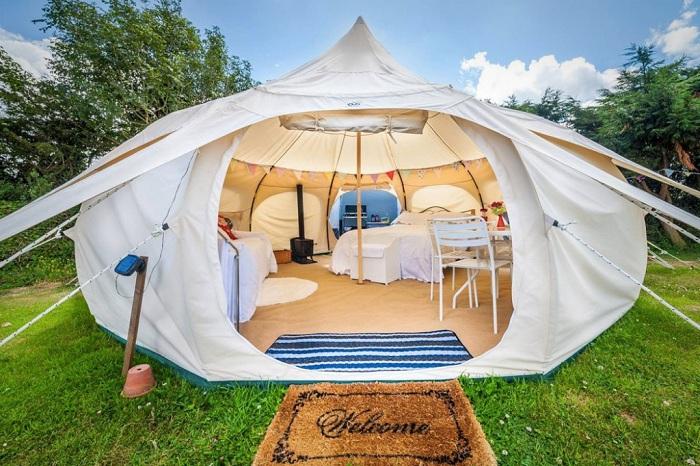 Outback Deluxe - палатка для комфортного пребывания.