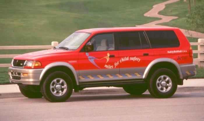 Mitsubishi Pajero – большой японский внедорожник, популярный в России.