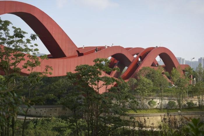 Lucky Knot bridge - волнообразный мост в китайском городе Чанша.
