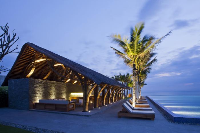 Зона отдыха на курорте Retreat Naman.